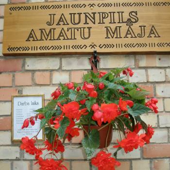 Jaunpils Amatu māja