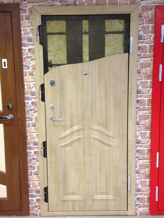 ugunsdrošas metāla durvis